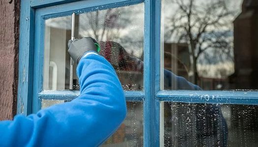 Window cleaning - quality and safety